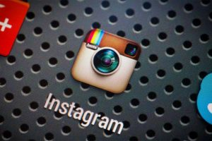 Instagram goes dark with the latest update on iOS 13, Find out how you can enable it