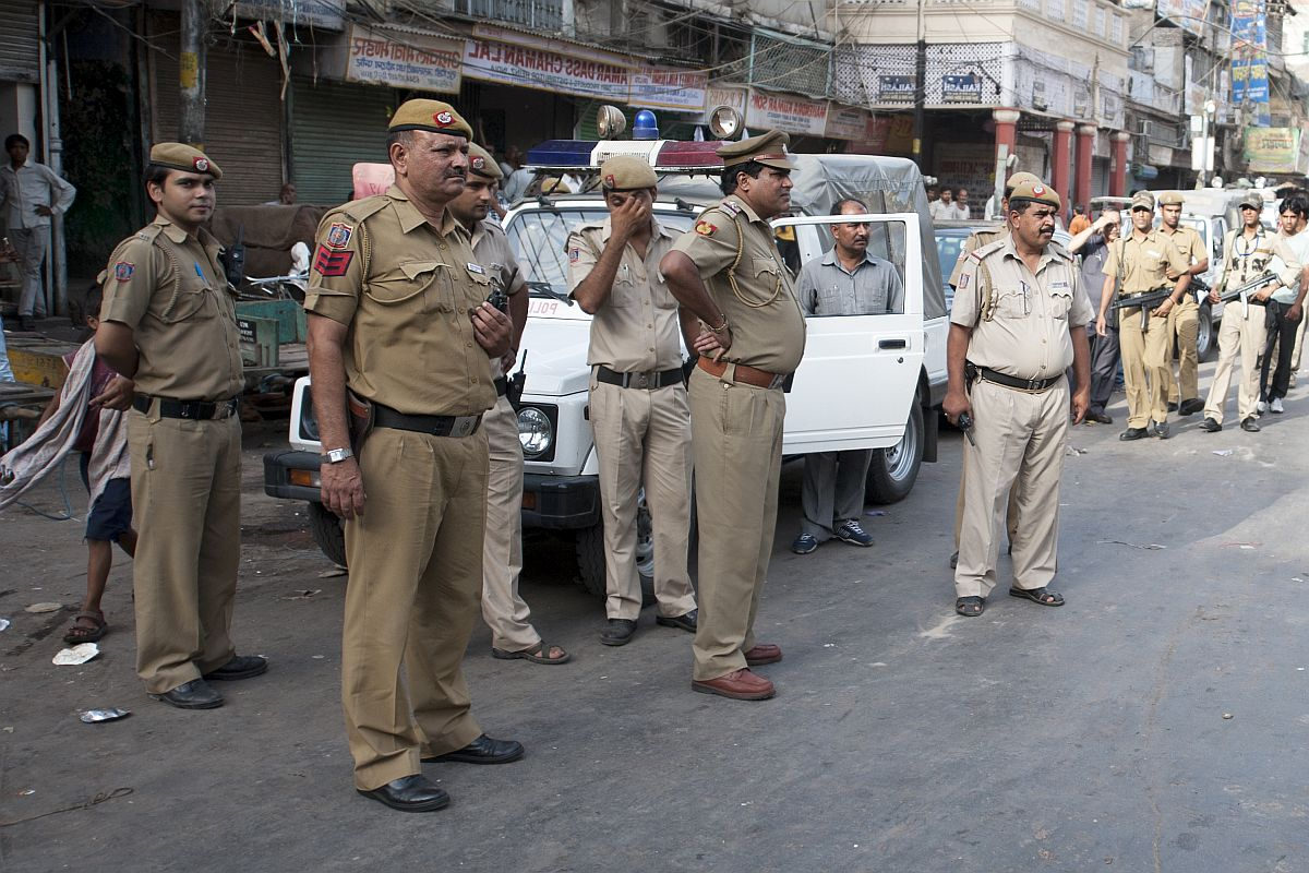Kamlesh Tiwari Murder: Clothes matching CCTV suspects recovered at hotel near Hindu leader's home