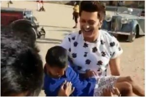 Riteish Deshmukh shares a BTS video from Housefull 4 sets