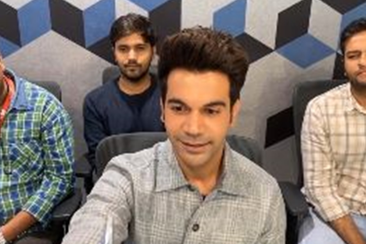 Actor Rajkummar Rao sells pen to Leonardo DiCaprio