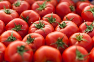 Delhi: Tomato price also reaches Rs 80/kg after onion