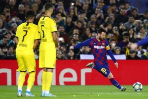'You have to commit foul to stop Lionel Messi', says Borussia Dortmund coach