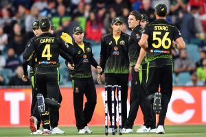 Australia vs Pakistan 3rd T20I Live: Aaron Finch opts to bowl; Pakistan 34 for 3 after 6 overs