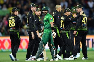 Australia vs Pakistan 2nd T20I Live: Aussies need 151 to win