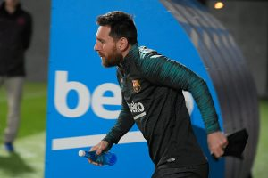 Lionel Messi stuns fans in Argentina by training at public gym