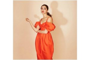Deepika Padukone attracts attention as she goes all red, 'colour of passion', comments Ranveer