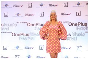 Bon Appetit! Katy Perry enthralls fans with her Firework