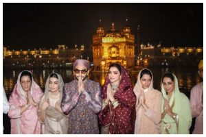 Deepika Padukone, Ranveer Singh visits Golden Temple post 1st wedding anniversary