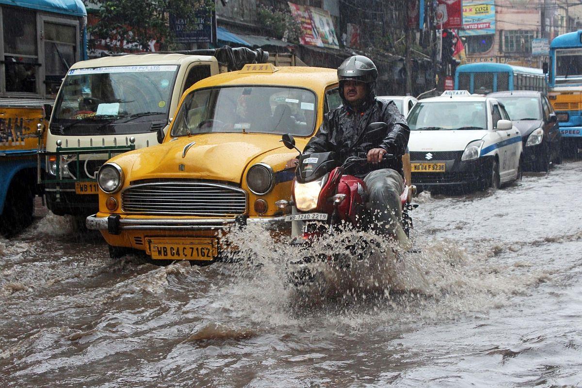 Babul Supriyo, Debashree Chowdhuri, Kolkata, Bulbul, TMC, BJP, Mamata Banerjee, Narendra Modi, cyclone Bulbul, West Bengal, Bengal