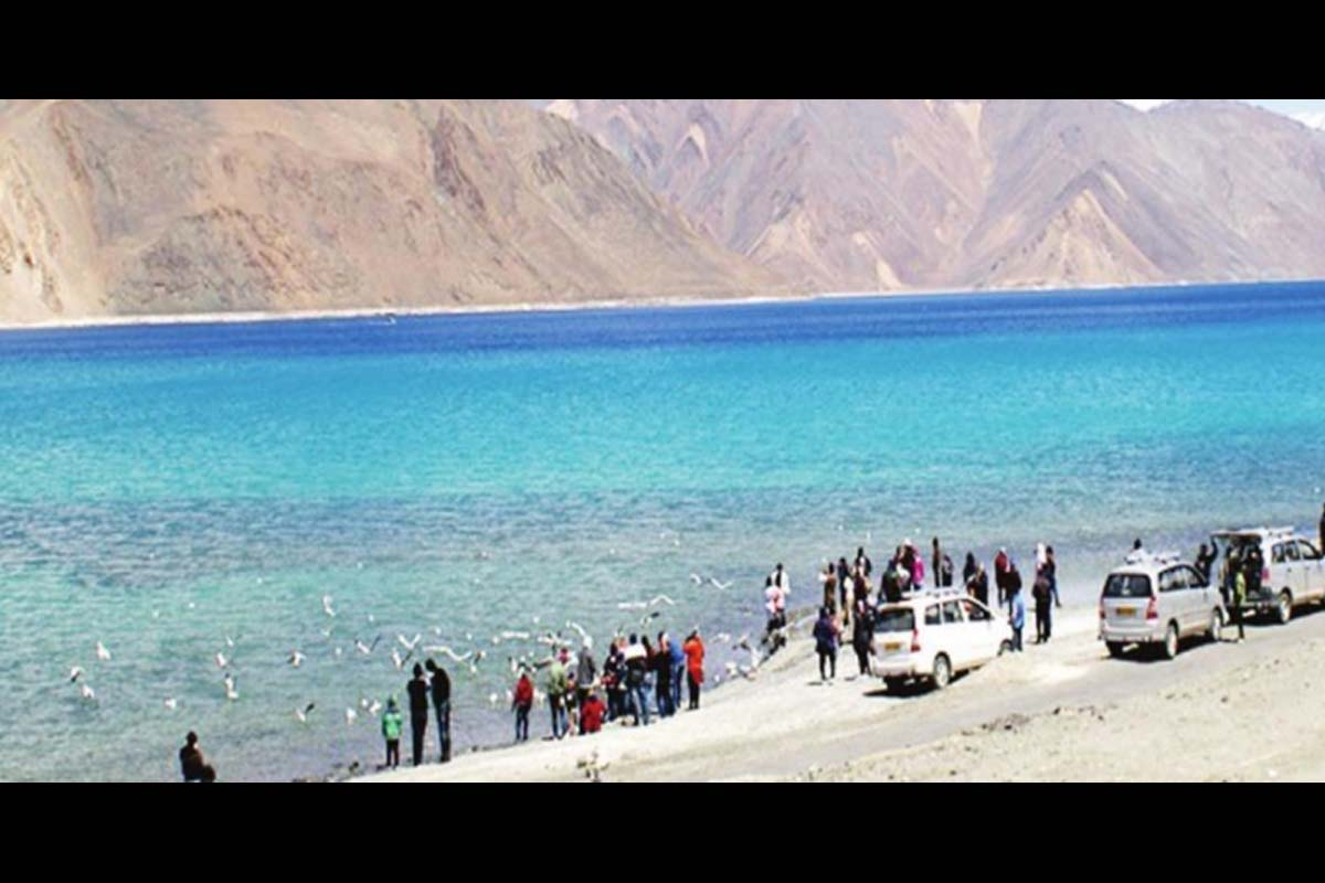 Kashmir, Leh, Ladakh, Srinagar, hillock, King Deldan Namgyal, India, Pakistan, China, Diskit village