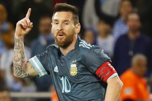 After Lionel Messi's equaliser against Uruguay, fans troll Cristiano Ronaldo
