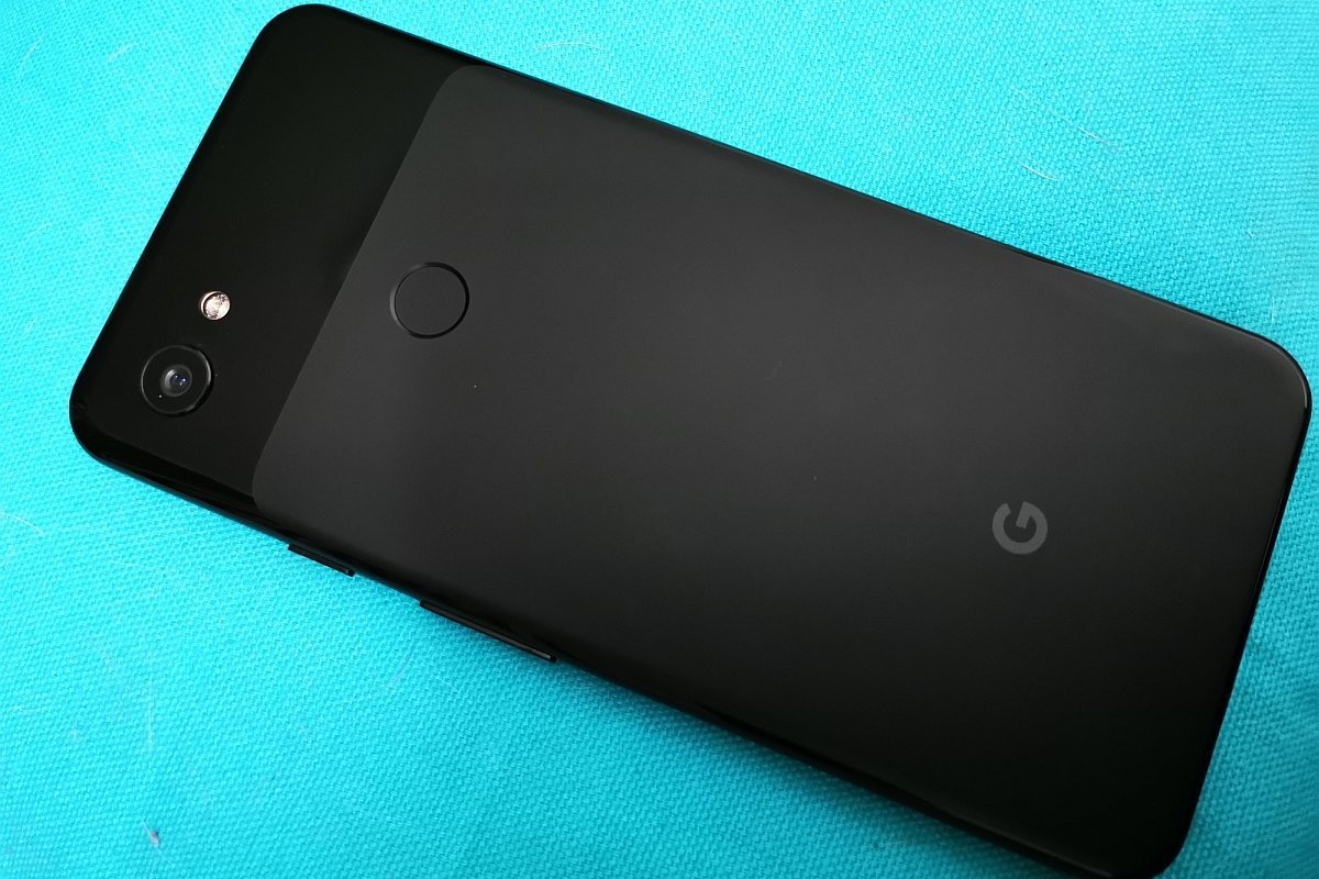 Google Pixel and Pixel XL likely to get final update in December