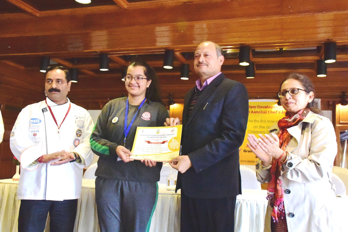 150 school kids participate in Junior Master Chef contest in HP