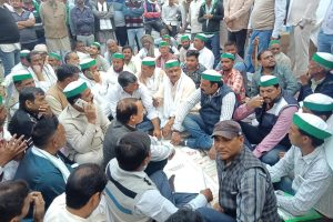 Bhartiya Kisan Union threatens protests after cases registered against farmers for burning stubble