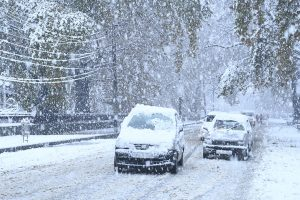 Early snow, rain throw normal life out of gear across J&K