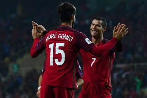 Cristiano Ronaldo extends support to Andre Gomes after latter's horrific leg injury
