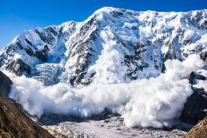 Siachen avalanche: Defence Minister condoles death of army personnel, porters