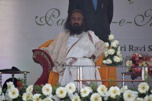 Pak invites Sri Sri Ravi Shankar for Kartarpur corridor inauguration, but he won't attend