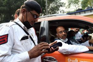 233 challans issued for Odd-Even violation on Day 1 in Delhi
