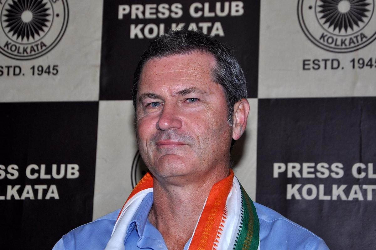 Umpires should attend training sessions to get used to pink colour: Simon Taufel