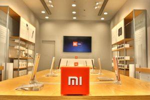 Following Moto Razr, Xiaomi patents vertically folding smartphone