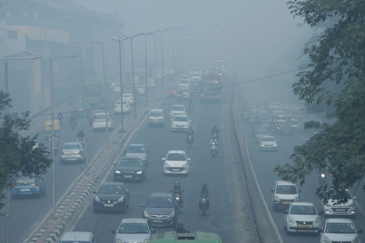 No improvement in Delhi air quality as AQI hovers around 500