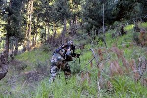 Pak Army men crossed LoC amid heavy shelling, fire at Indian post killing one Indian soldier