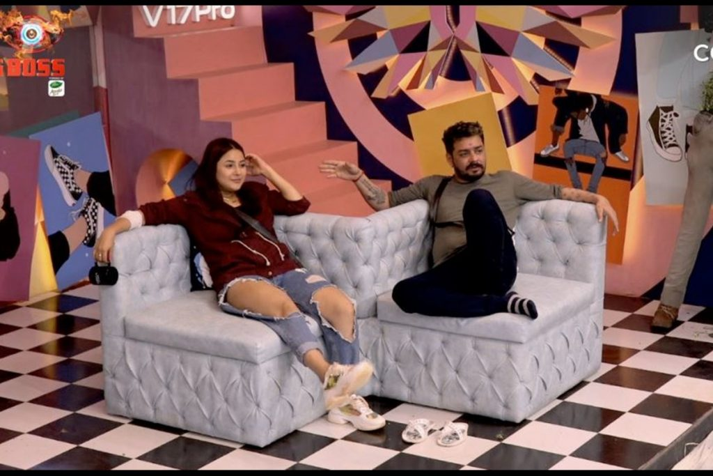 Bigg Boss 13 Day 38 Nov 07 Team Asim Wins Bb Transport Task Rashami Devoleena Enter House