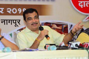 Congress' Ahmed Patel meets RSS backed Maharashtra troubleshooter Nitin Gadkari