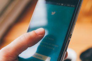 Twitter tests new conversation displays on prototype app