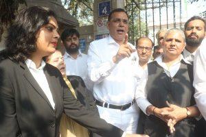 Delhi courts shut as lawyers' protest enters 4th day; Bar Council demands arrest of cops