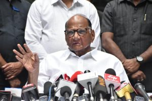 Sharad Pawar to call Sonia Gandhi for decision on government formation in Maharashtra