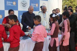 President Ram Nath Kovind visits Akshaya Patra kitchen in Vrindavan, serves Mid-Day meal to children