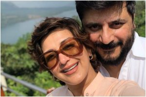 Sonali Bendre, Goldie Behl celebrate 17th wedding anniversary in Pune