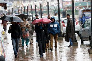 Fresh snowfall, rain at higher reaches of Kashmir