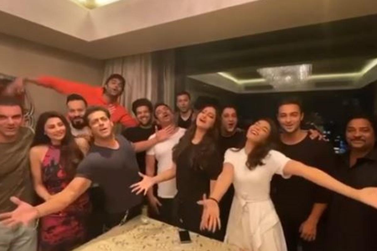 Radhe: Your Most Wanted Bhai, Dabangg 3, Sonakshi Sinha, Jacqueline Fernandez, Daisy Shah, Aayush Sharma, Sohail Khan, Maniesh Paul, Shahrukh Khan, Birthday wish, Shahrukh Khan, Salman Khan