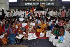 Telangana: StrikingTSRTC employees ignore deadline, ball in CM Rao's court now