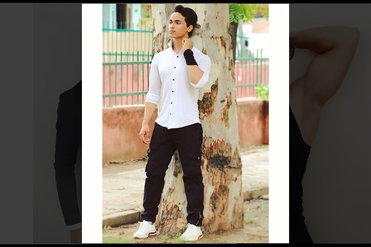 Tiger Shroff lookalike Tejas Saran is taking internet by storm, check out videos