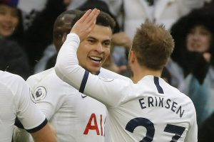 Dele Alli's stunner helps Tottenham bounce back to defeat Brighton 2-1