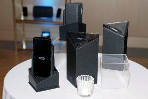 Xiaomi patent shows Motorola RAZR style flip phone