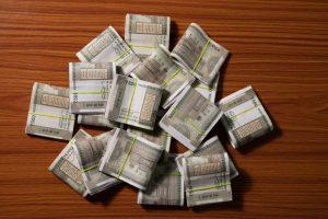 CBI books Mumbai jeweller for duping banks of Rs 568 cr