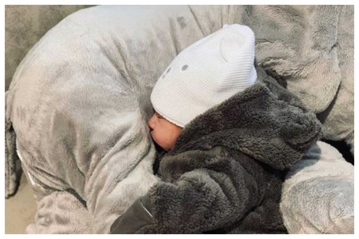 Singer Atif Aslam gives first glimpse of his new born