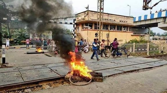 CAA protests: Arson breaks out in Bengal, railway stations set ablaze; Mamata calls for peace