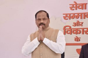 Hemant Soren files case against Raghubar Das for 'objectionable' comments