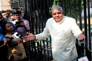 Bengal Governor says Mamata govt has 'put education in captivity' as students block his car