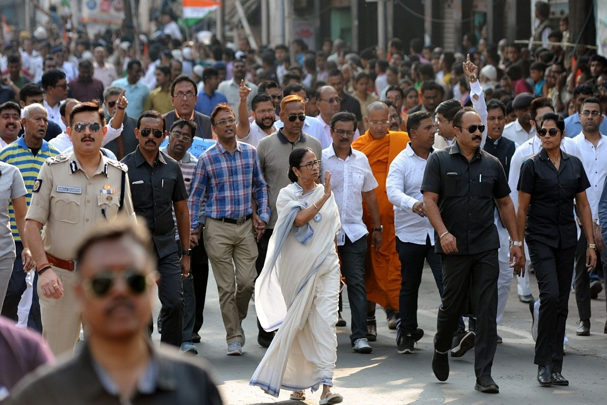 'Won't allow NRC, CAA in Bengal': Mamata defies Governor's order, leads mega rally