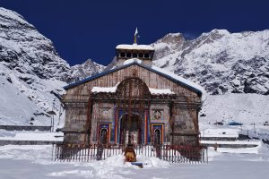 Heavy snowfall affects reconstruction work in Kedarnath