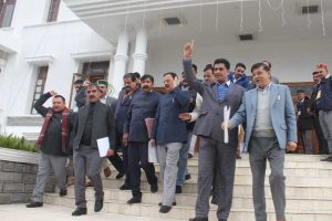 Winter session of HP Assembly begins on stormy note