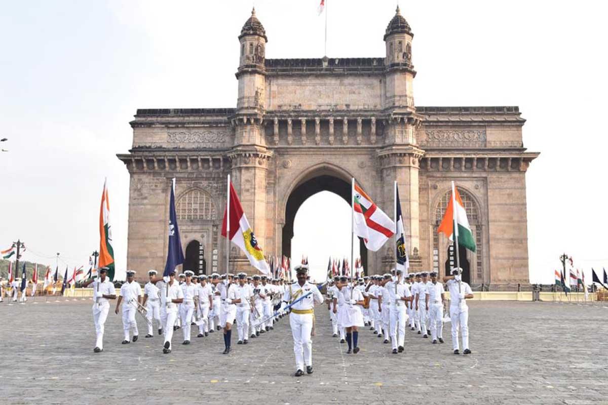 Navy Day, Mumbai, IAF, Indian Army, Bangladesh, Karachi, Pakistan, India, Indian Navy, Gateway of India, Maharashtra, Bharat Singh Koshyari