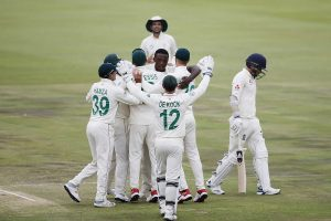 South Africa see off stubborn England to claim 107-run victory